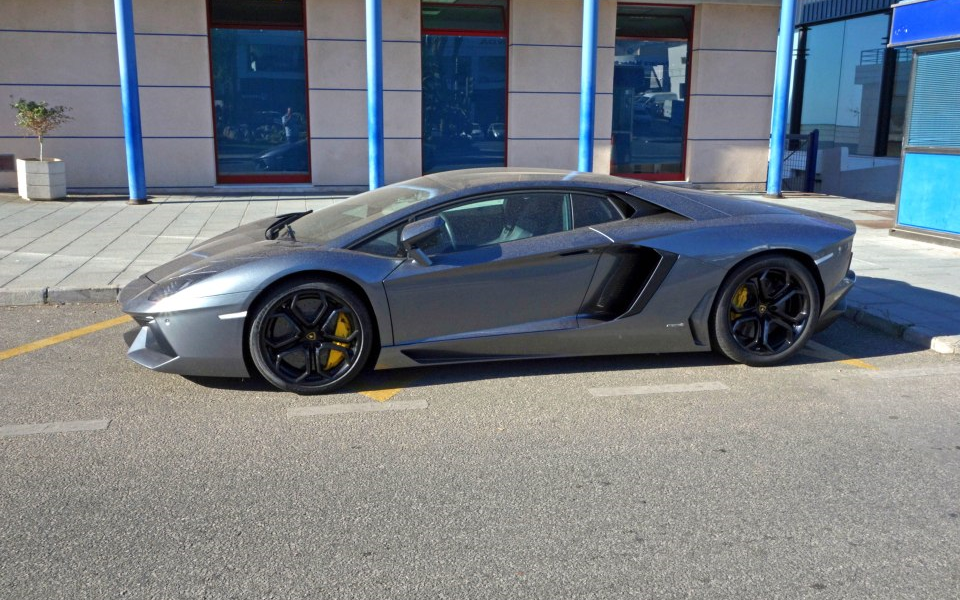 Briton arrested for renting a stolen Lamborghini to Saudi Prince
