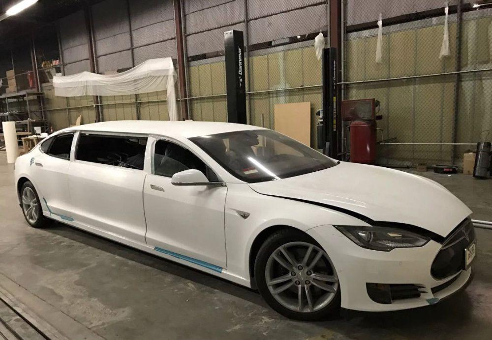 Tesla Limo