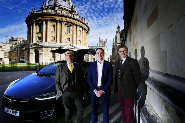 Oxford Welcomes First Zero Emissions Private Hire Vehicle