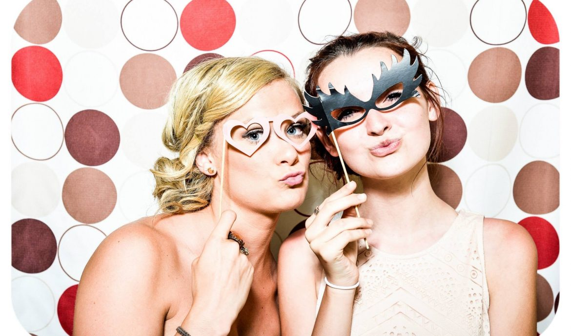 Wedding Planning: Why Hire a Photo booth?