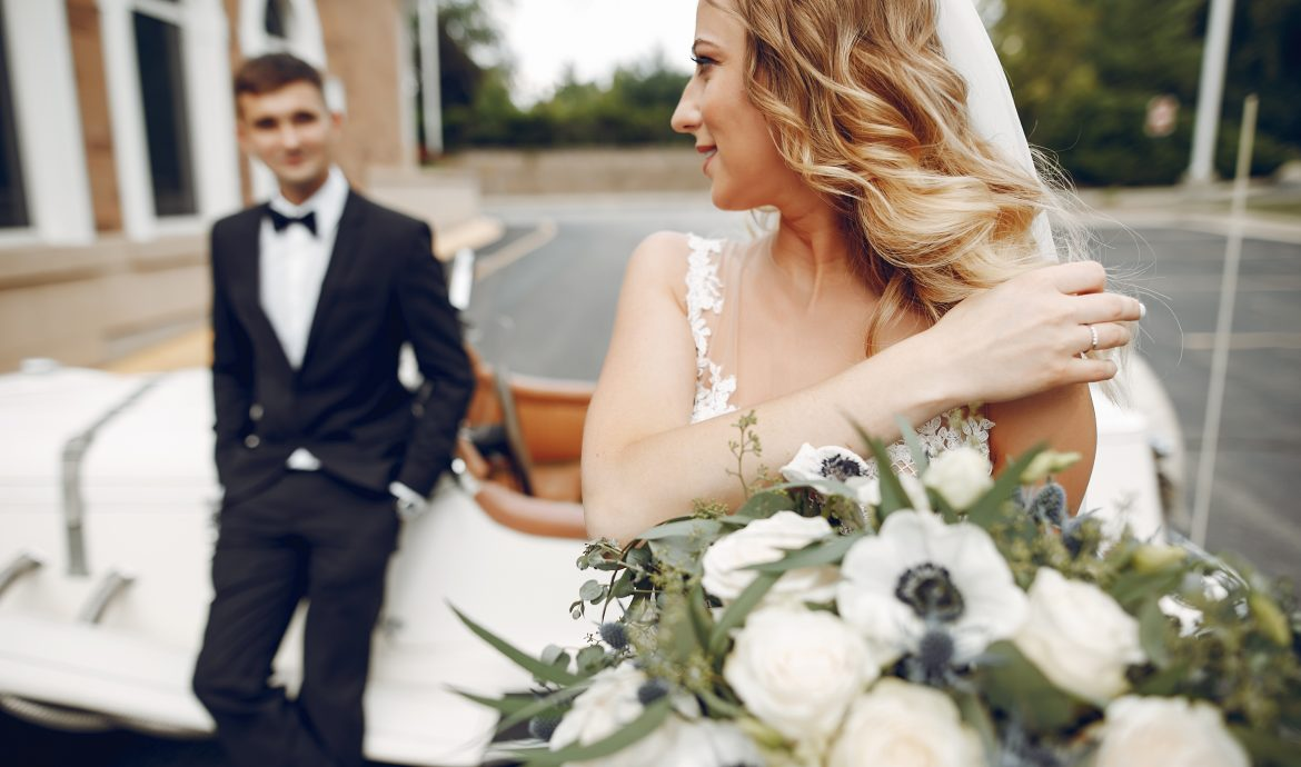 How to start your own wedding car hire or limo rental business